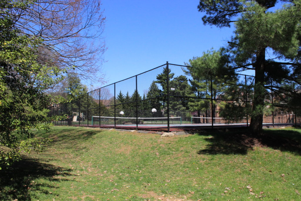 tennis courts Georgetown Village