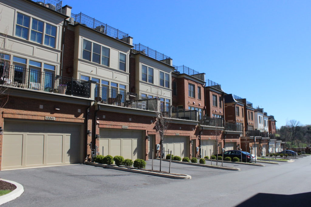 townhome rearview at Symphony Park