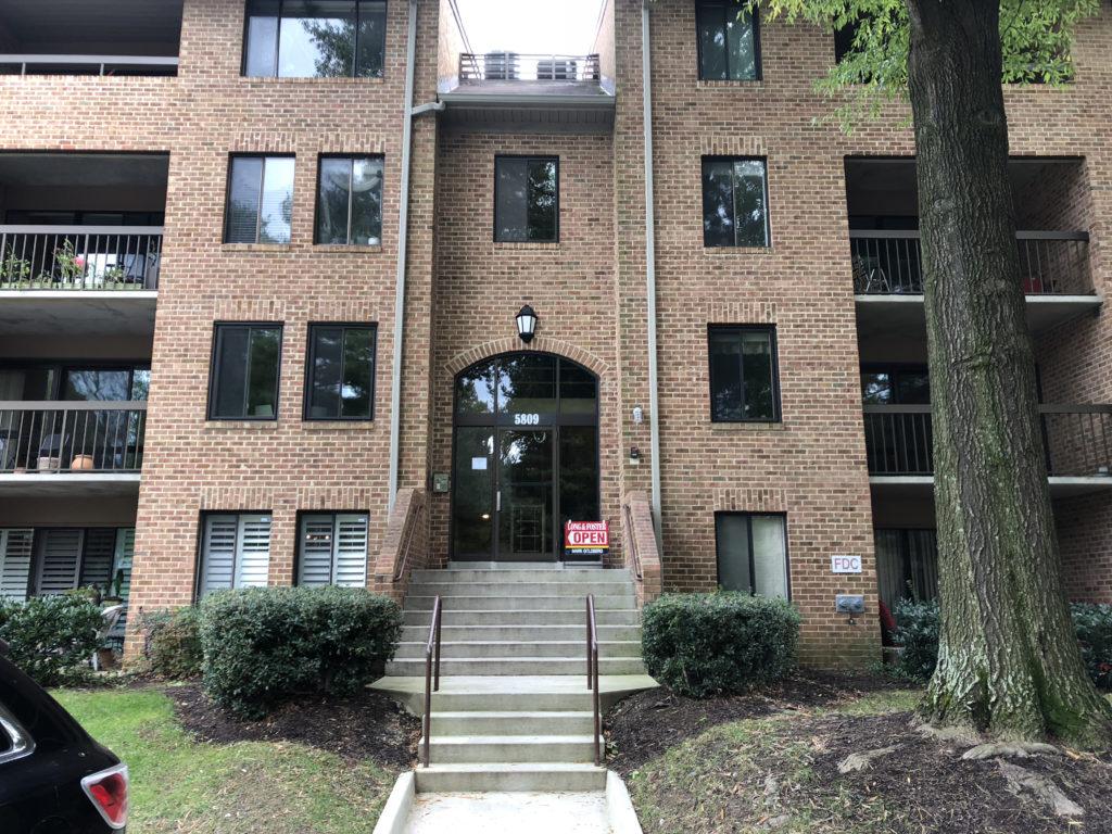 building at Georgetown Village