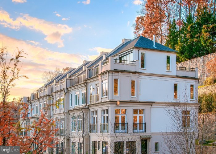 8212 RIVER ROAD BETHESDA, Maryland 20817, 3 Bedrooms Bedrooms, ,2 BathroomsBathrooms,Residential,For Sale,RIVER ROAD,1,MDMC719120